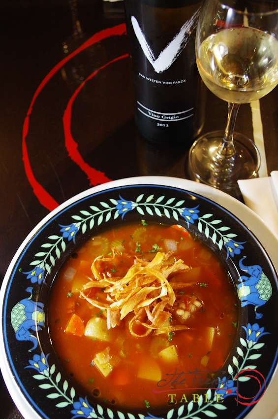 Read more about the article Ham, vegetable and barley soup with crispy parsnips & Van Westen Vino Grigio.